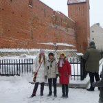 Ужгородські пластуни біля міської стіни Риги